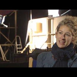Neele Leana Vollmar (Regie) über die Erfahrungen bei den Dreharbeiten - Interview Poster