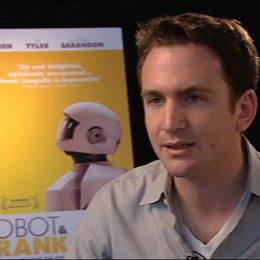 Jake Schreier - Regisseur - über die Rolle von Frank - OV-Interview Poster