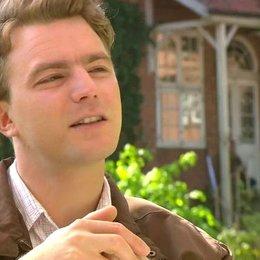 Friedrich Mücke - Peter Klaasen - über die Rolle der Inga - Interview Poster