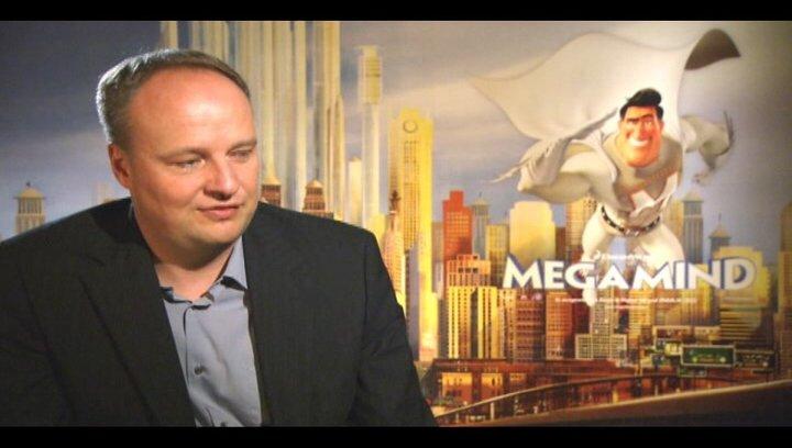 Oliver Welke (deutsche Stimme Metroman) über Minion - Interview Poster