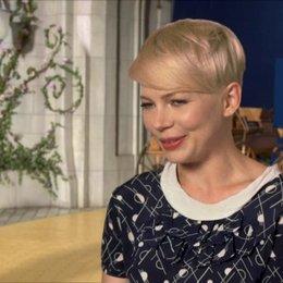 Michelle Williams (Glinda und Annie) darüber was sie am Projekt interessierte - OV-Interview Poster