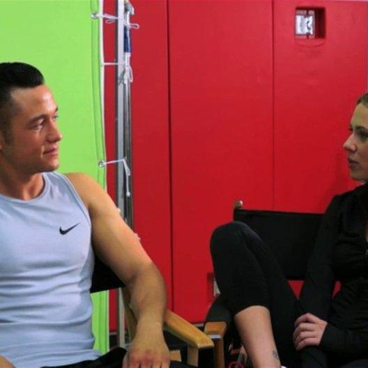Scarlett Johansson und Joseph Gordon-Levitt darüber, etwas zu wollen was man nicht haben kann - OV-Interview Poster