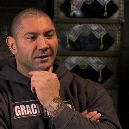 David Bautista über die Wrestling Elemente im Film - OV-Interview Poster