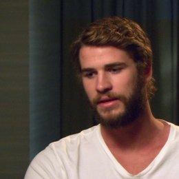 Liam Hemsworth - Gale Hawthorne - über die Beziehung zwischen Katniss und Gale - OV-Interview Poster