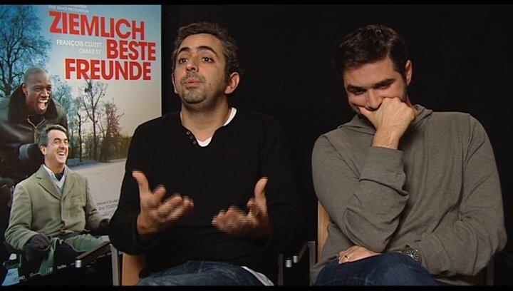 Eric Toledano und Olivier Nacache (Regisseur) über den Erfolg französischer Filme in denen es um die Unterschiede - OV-Interview Poster