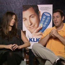 Adam Sandlere und Kate Beckinsale über ihre Sexszene, die Zukunft und Momente, die sie gerne zurückspulen würden - OV-Interview Poster