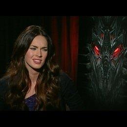 Megan Fox (Mikaela) über die Reaktionen des Publikums - OV-Interview Poster