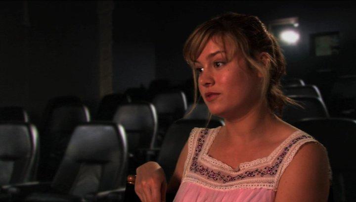 Brie Larson über die Beziehung zwischen Molly und Eric - OV-Interview Poster
