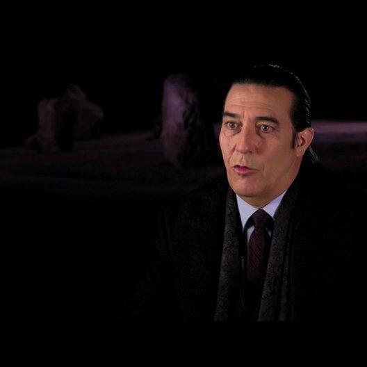 Ciaran Hinds über Nicolas Cage - OV-Interview Poster
