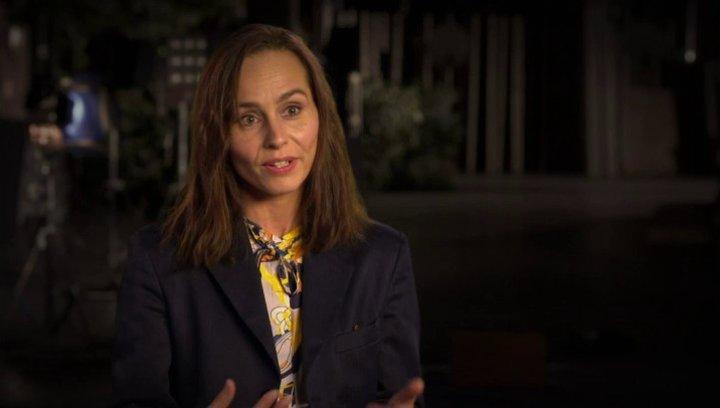 Tara Fitzgerald uber die Bürde Moses Geheimnis zu tragen - OV-Interview Poster