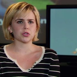Mae Whitman - Tinkerbell - über Tinkerbell - OV-Interview Poster