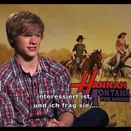 Miley Cyrus und Lucas Till über die Lovestory im Film - Interview Poster