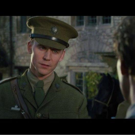 Captain Nicholls verspricht, sich um Joey zu kümmern - Szene Poster
