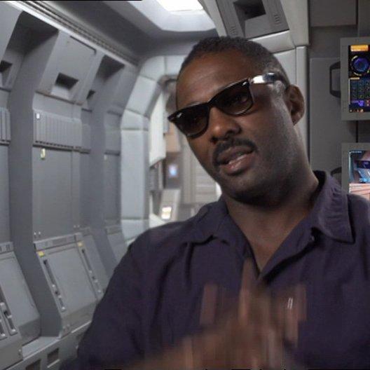 Idris Elba über den Moment als er das erste Mal vom Film gehört hat - OV-Interview Poster