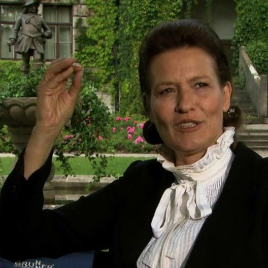 Suzanne von Borsody über die Geschichte und das zentrale Thema Liebe - Interview Poster