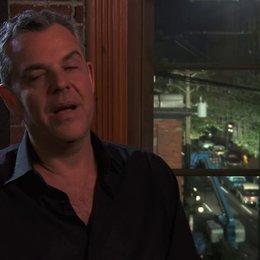 Danny Huston - Dick Nolan - darüber was ihn an dem Projekt fasziniert hat - OV-Interview Poster