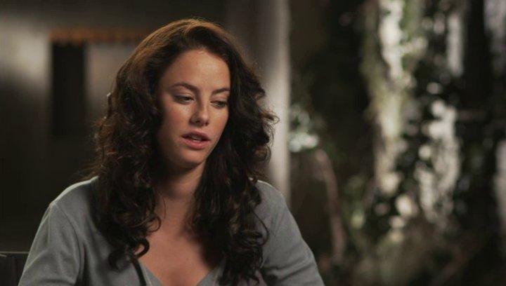 Kaya Scodelario - Teresa - über Chuck - OV-Interview Poster