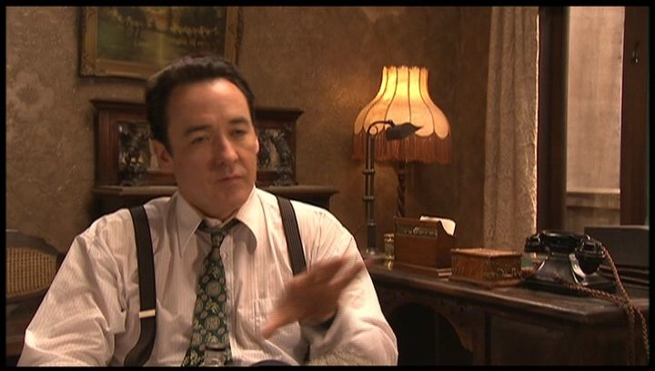 John Cusack (Paul Soames) über die Charaktere im Film - OV-Interview Poster