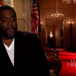 Lee Daniels - Regie - über die Idee zum Film, persönliche Bezüge, Oprah Winfrey und Forest Whitaker - OV-Interview Poster