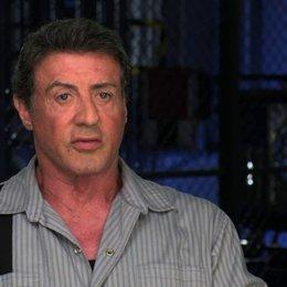 Sylvester Stallone über die Körperlichkeit des Films - OV-Interview Poster