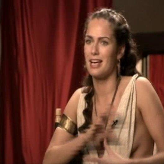 Lena Headey (Königin Gorgo) über Gerard Butler und Zack Snyder. - OV-Interview Poster