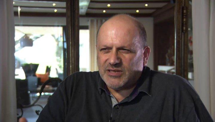 Eran Riklis (Regie) Haben Diskriminierungen arabischer Israelis momentan zugenommen - OV-Interview Poster