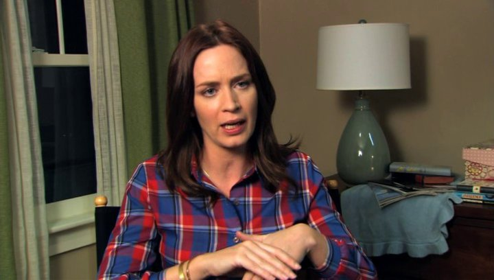 Emily Blunt über Jason Segel - OV-Interview Poster