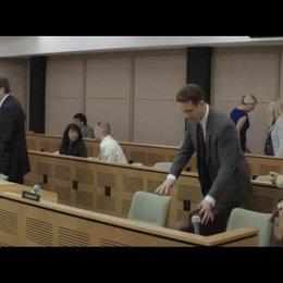 Begrüßung vor dem Gerichtsprozess - Szene Poster