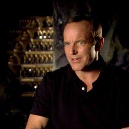 Clark Gregg - Agent Phil Coulson was ihn an seinem Charakter reizte - OV-Interview Poster