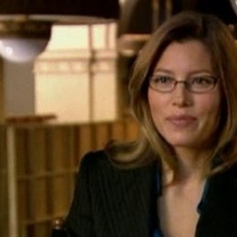 Jessica Biel (Alex McDonough) über ihre Rolle als Anwältin eines angeblich schwulen Paares, über die Gabe des Lustig-Seins und den Teddybär-Charme von Poster