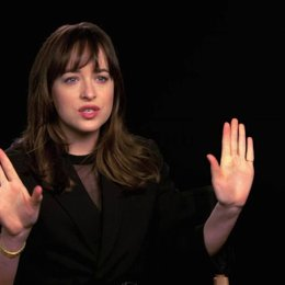 Dakota Johnson über den Kern des Films - OV-Interview Poster