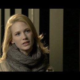 January Jones - Elizabeth Harris - über die Arbeit mit Liam Neeson - OV-Interview Poster