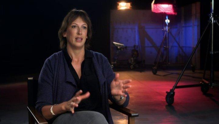 Miranda Hart über Susans und Nancys Rollen beim CIA - OV-Interview Poster