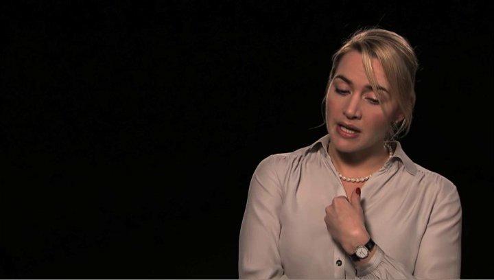 Kate Winslet über die Prämisse des Films - OV-Interview Poster