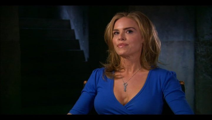 Betsy Russell (Jill Tuck) über ihre Rolle - OV-Interview Poster
