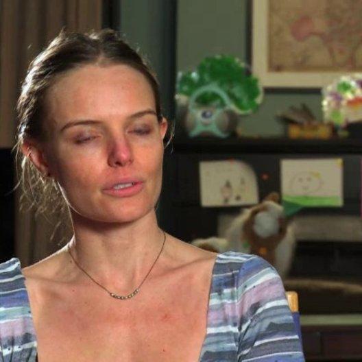 Kate Bosworth - Cassie Bodine Klum - über die Zusammenarbeit mit James Franco - OV-Interview Poster