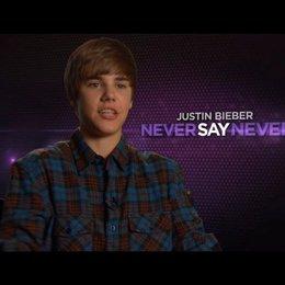 Justin Bieber über Usher und seinen Manager - OV-Interview Poster