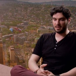Josh Trank - Regisseur und Geschichte über das was der Zuschauer vom Film erwarten kann - OV-Interview Poster