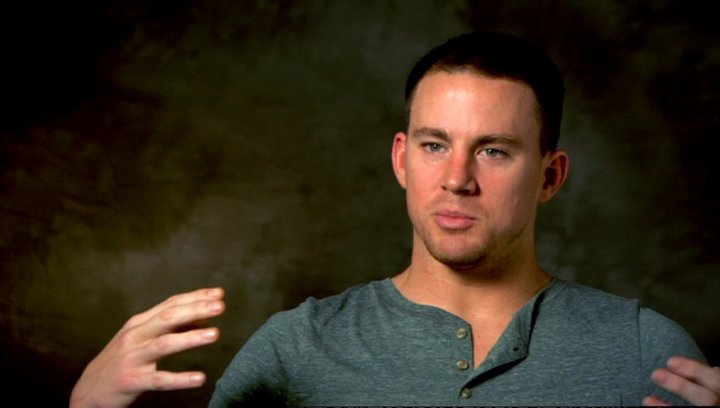 Channing Tatum - Mike - Producer über die Besetzung - OV-Interview Poster