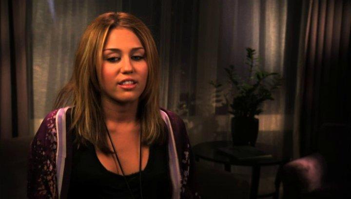 Miley Cyrus über Demi Moore - OV-Interview Poster