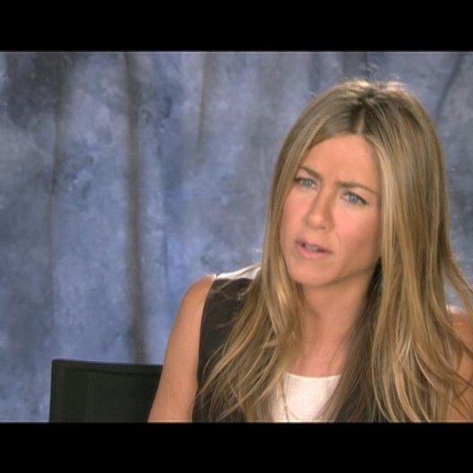 Jennifer Aniston ueber die Geschichte - OV-Interview Poster