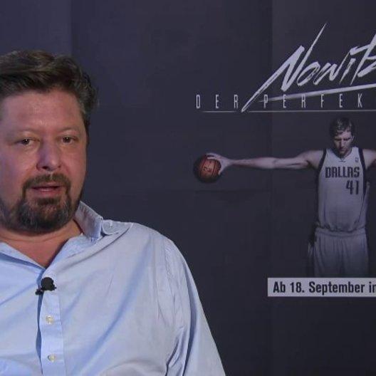 Sebastian Denhardt (Regie) über den Zugang zum Basketball und zur NBA - Interview Poster