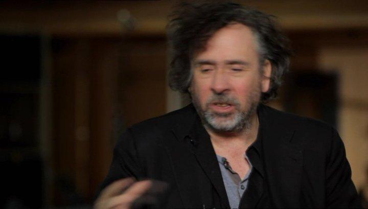 Tim Burton über seine Beteiligung am Projekt - OV-Interview Poster