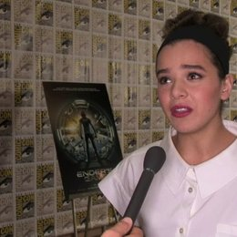 Hailee Steinfeld über die Dreharbeiten - OV-Interview Poster