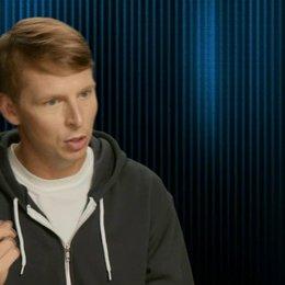 Jack McBrayer - Felix - über Felix Verhältnis zu Ralph - OV-Interview Poster