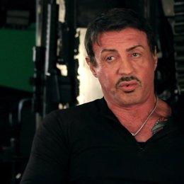 Sylvester Stallone -Barney Ross- über den Kampf zwischen ihm und Van Damme - OV-Interview Poster