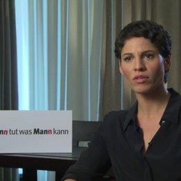 Jasmin Gerat über den Dreh mit den Männern - Interview Poster