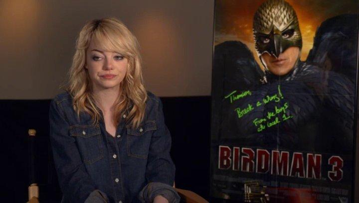 Emma Stone  - Sam - darüber, was Riggan motiviert Birdman wieder zu beleben - OV-Interview Poster