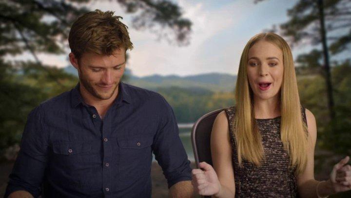 Britt Robertson und Scott Eastwood über Lukes Anziehungskraft auf Sophia - OV-Interview Poster