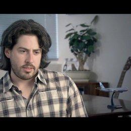 Jason Reitman - Regisseur und Drehbuchautor / über George Clooney als Ryan Bingham - OV-Interview Poster
